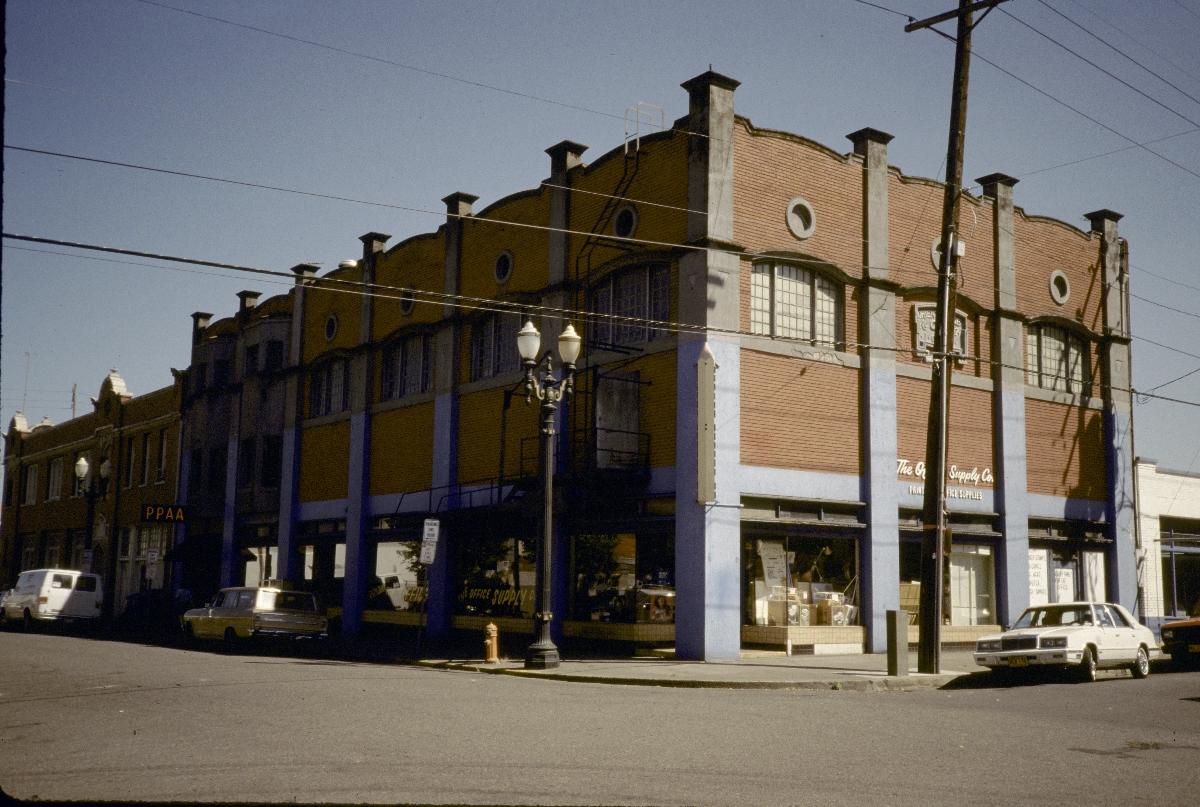 The I. O. O. F. Orient Lodge building in 1989 © University of Oregon